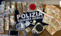 In casa 3 chili di droga e 26mila euro: arrestato 32enne ad Arcene