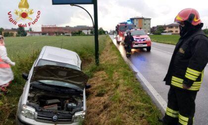 Ennesimo incidente sulla Soncinese, 22enne esce di strada e finisce nel fosso