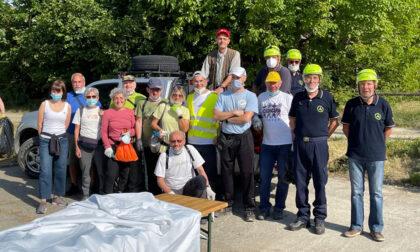 I volontari ripuliscono la Foresta di Pianura