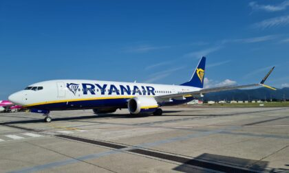 """A Orio il primo aereo Ryanair  più """"silenzioso"""" e green"""