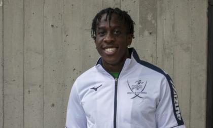 Emmanuel vola a Tokyo ma prima saluta i giovani compagni dell'Atletica Estrada