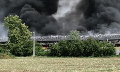 Devastante incendio a Urgnano: in fiamme la Gio Style