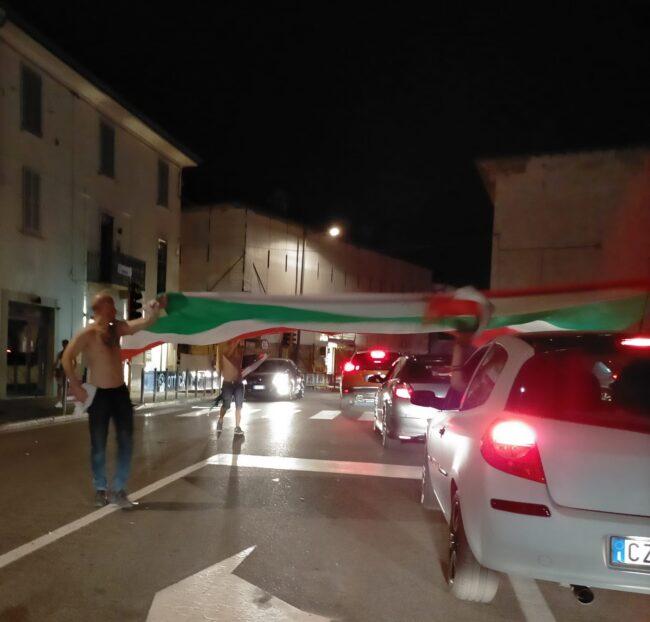 Treviglio in festa per l'Italia campionessa d'Europa- via Roma/via Cavallotti