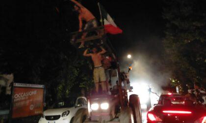 Treviglio in delirio per l'Italia: foto e video della festa sulla circonvallazione