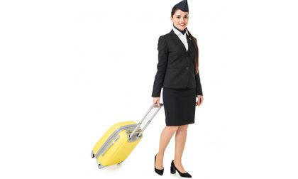 """""""Allacciate le cinture"""": scopriamo i segreti dello styling delle assistenti di volo"""