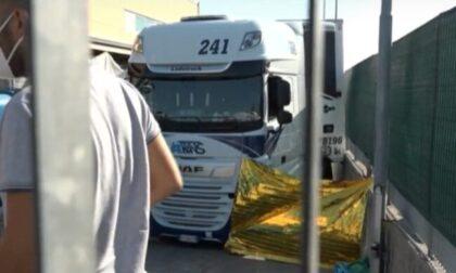 Autotrasportatore di un'azienda bergamasca travolto e ucciso dal Tir che stava scaricando