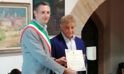 Benemerenza civica all'ex calciatore Giancarlo Finardi