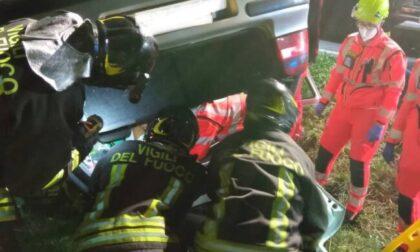 Auto si ribalta sulla provinciale, ferito un 37enne