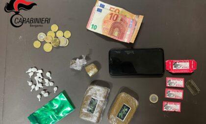 Ancora droga in stazione a Bergamo: hashish, coca e lamette