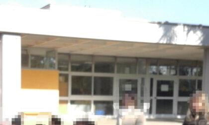 """La maestra sciopera contro il Green Pass: """"Venite a riprendervi vostro figlio a scuola"""""""