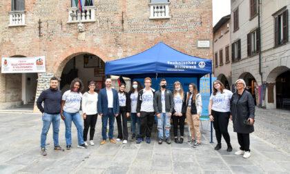 Le associazioni di volontariatoscendono in piazzaFOTO