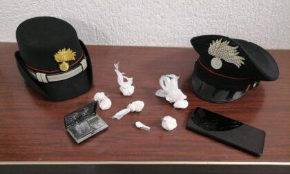 Spacciava cocaina sotto casa: arrestato