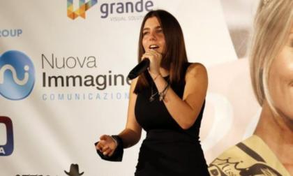 La voce di Valentina Maffi incanta sul palco di Miss Bagaglino