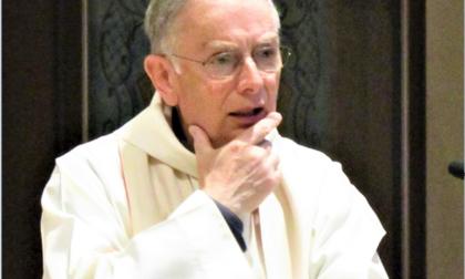 Addio a don Costantino Prina, fu parroco di San Pietro