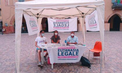 """Referendum sull'eutanasia legale, raccolte quasi 2mila firme e donazioni per """"Luca Coscioni"""""""